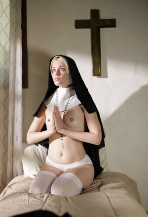 Blonde lesby nun realizes that she is extremely lascivious and asks for redemption