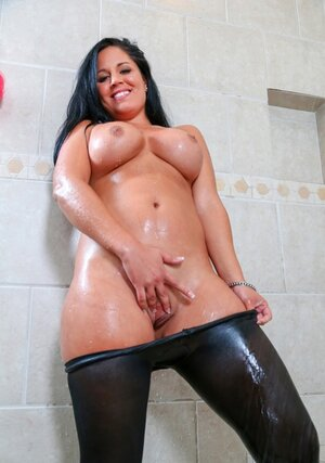 Breasty Latina bombshell goes in shower to cover round assets with hot water